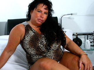 Phat titted mature whore getting raw as hell