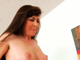 Lewd mature lady flashes off her manmeat railing abilities