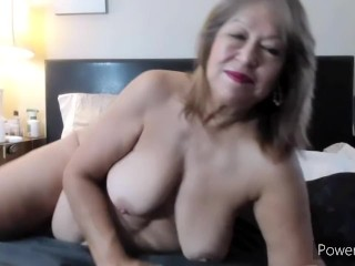 Mature woman having to masturbate to have orgasms . I want a real cock to satisfy me!!