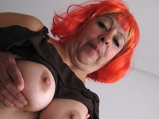 meaty mature mama frolicking with her joy stick