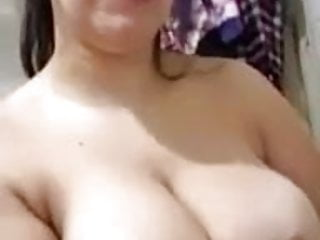 Mature lady show nipples
