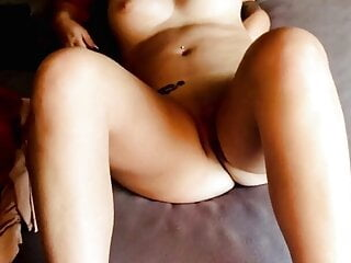 BLONDE WIFE BEARS IT ALL OFF AND SPREADS HER LEGS FOR YOU