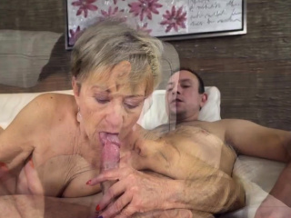 Grannie gets wrinkly face cummed