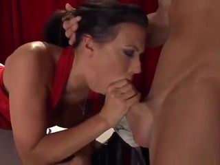 Xmas feast yankee cougar blowjob with stranger on COMEMYCAM.com