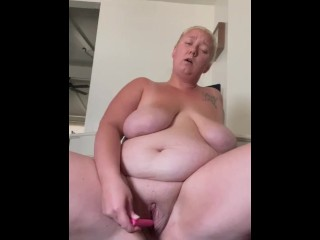 Bbw shows off her loose pussy and has creamy squirt at the end