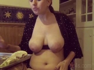'Face Stuffing 12 Tacos Topless - Gain Girl '
