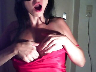 Horny milf is crazy for breastplay