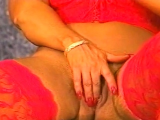 CatFight Busty blonde Cyndy Jones works out topless th