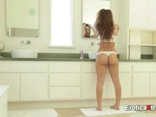 Gorgeous wife pleases husband