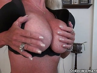 USA gilf Kelli will turn you on with her gentle assets