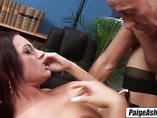 Paige Ashley – the life of the party, double penetration, riding