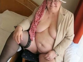 OmaGeiL first-timer Mature pics bevy