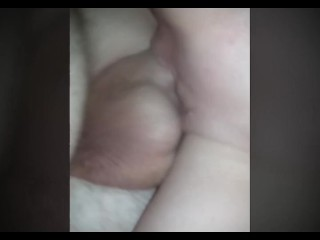 Spoon shagging Milf's Pretty in rosy vagina