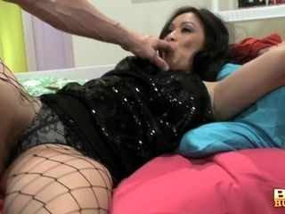 'Chunky Super Chick Syren Finger Fucked And Banged In 4k'