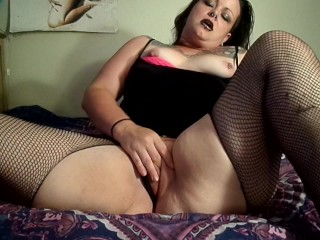 Goth bitch fingering ass and pussy
