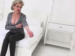 Adulterous brit mature doll sonia exposes her monster bal