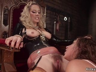 Mother dominatrix culo plumb plumbs youthfull chick slave