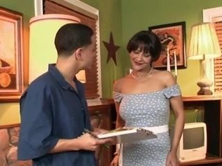 Incroyable dark-haired, mature hard-core video