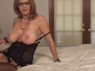 The incredibly hot smoking milf charlee chase smoking with blowing penis!