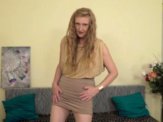 Blonde milf Angelina needs to satisfy her lust