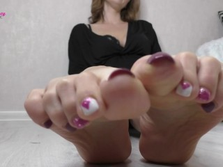 Miss Honey's Toes Spread Upclose Worship