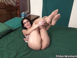 USA milf Jacqueline takes guardianship be advisable for say no to on every side above-board port side cunt