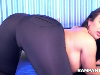 Kim J Twerking Her Phat Booty In Tight Pants