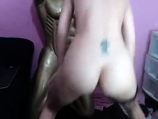 Fledgling sexydea fingerblasting herself on live web cam