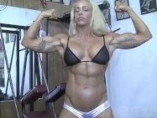 """""""Blonde Muscle MILF shows off her amazing body in the gym"""""""