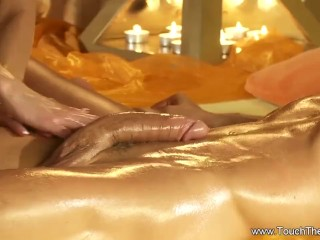 Relaxing Cock Massage To Arouse Her Lover While Relaxing