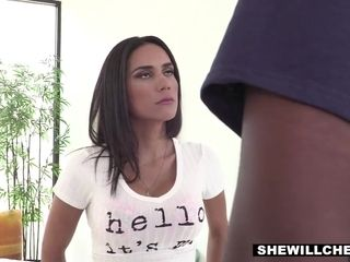 Cheating Wife In A Hot Interracial Scene With A Masseuse With Tia Cyrus