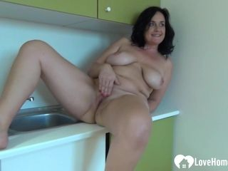 Fledgling porno doll with phat mammories thumbs herself
