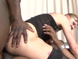 anal,culo,big dick,negras,doble penetración,abuelas,interracial,rough sex,trío,