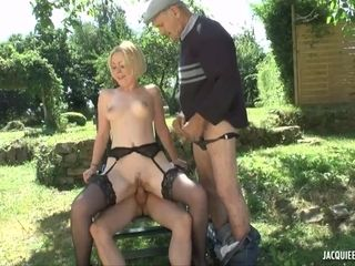 Garden Party With Mom Whore Hardcore Sex