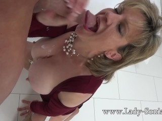 Little one Sonia matured floosie Oiled here together with Sucking flannel