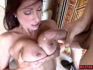 Popshot On ample Mature bosoms