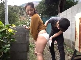 Asian amateur girl pissing fetish