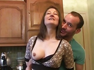William fucks an housewife in her kitchen