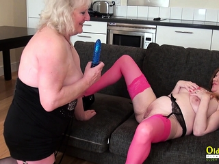 OldNannY 2 mature lezzies toying with playthings