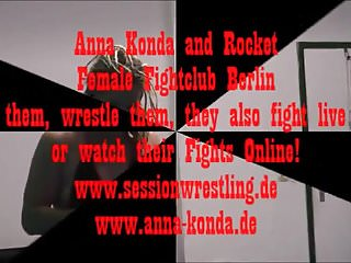 Sissified Fightclub Berlin Anna Konda vs flare