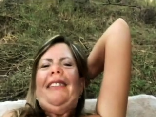 Fantastic mature cougar outdoors boinking