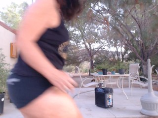 MATURE mommy showcases off her phat hip gap with dancing