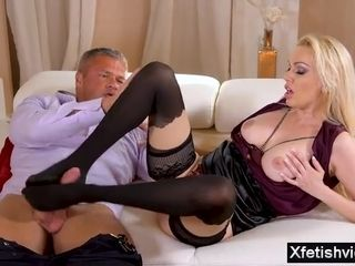 Softcore cougar sole worship