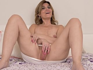 Hot MILF 30plus Alby Daor - Interview
