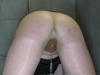 Pee and wetting Pantyhose