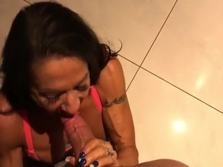 Muscle blowjob