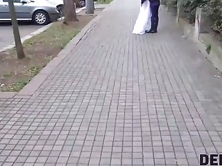 DEBT4k. Loan manager gives bride a chance to get rid off her debt