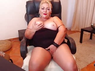 Free-for-all Live fuck-a-thon talk with melyssamilfxx