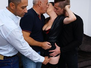 Nasty milf getting a DOUBLE PENETRATION while doing trio studs