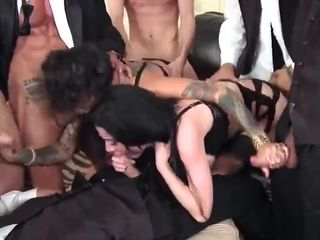 DP porn video featuring Veronica Avluv, Danny Mountain and Bonnie Rotten